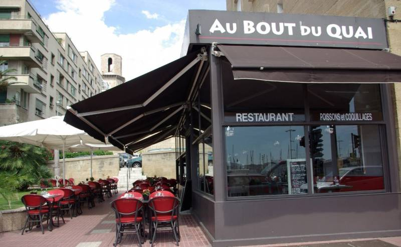 Restaurant avec terrasse sur le vieux port de marseille restaurants et bars vieux port - Au vieux port marseille restaurant ...