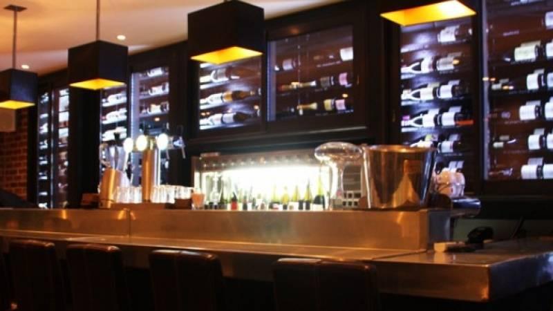 el primo bar vin aix en provence restaurants et bars vieux port marseille vallon des auffes. Black Bedroom Furniture Sets. Home Design Ideas