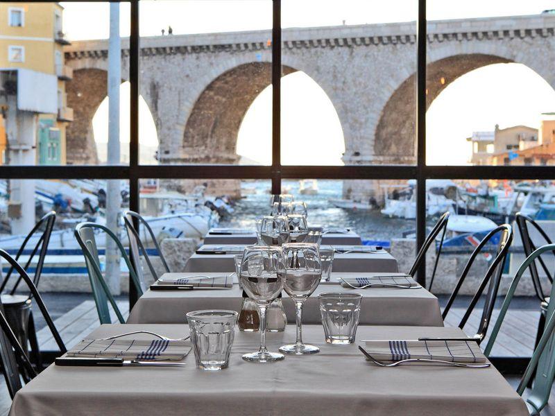 Bar avec terrasse marseille l 39 estaque guide restaurant marseille - Club house vieux port marseille ...
